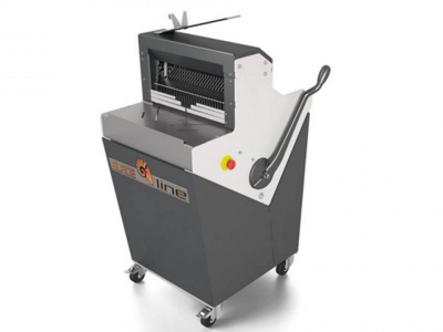 Semi-automatic bread slicer with horizontal working table